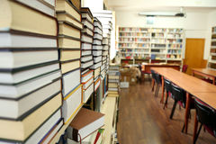 Book stack in library Royalty Free Stock Photography