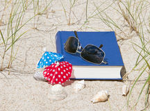 Book and sunglasses Royalty Free Stock Photography