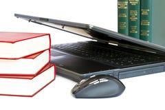 books bärbar dator Royaltyfri Fotografi
