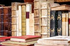 Books bakgrund books gammal rad antika böcker Royaltyfria Bilder
