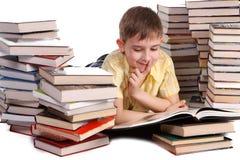 books barn för pojkeavläsningsskola Arkivfoton