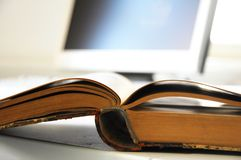 Books and computer Royalty Free Stock Images