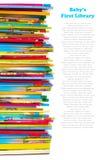 books den färgglada stapeln för barn Royaltyfria Bilder