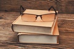 books exponeringsglas två Arkivbild