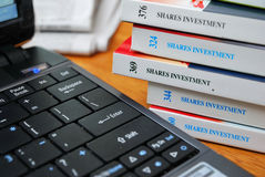 Books on financial investment and shares Stock Photography