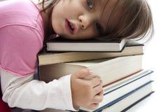 books flickan little Arkivfoton