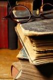 books gammala exponeringsglas royaltyfria bilder