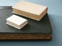 books hardbacken arkivbilder
