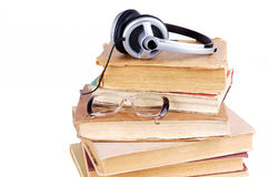 Books and headsets Royalty Free Stock Photos
