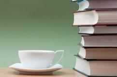 books kaffe Arkivfoto