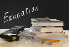 books skrivbordskolan Royaltyfria Bilder
