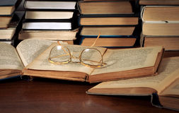 Books on the table, glasses Stock Photography