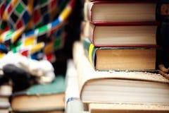 Bookstore drugi ręki książki, obubrzeżny przy kanałowym wejściem i overflooded kilka czasy rok zdjęcie stock