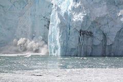 Boom de vêlage de glacier Photos stock