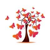 Boom met vlinders door harten wordt gevormd dat Stock Foto's