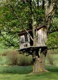 Boomhuis in het Land. Stock Afbeelding