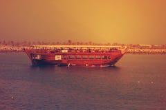 Boot in ADSCHMAN CORNICHE, DUBAI am 26. Juni 2017 Stockbild
