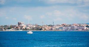 Boot in Alghero-overzees Royalty-vrije Stock Afbeeldingen