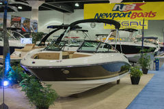 Boot auf Anzeige am Los Angeles-Boot stellen am 7. Februar 2014 dar Lizenzfreies Stockbild
