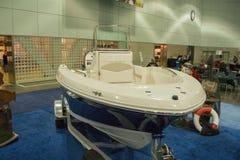 Boot auf Anzeige am Los Angeles-Boot stellen am 7. Februar 2014 dar Lizenzfreie Stockfotos