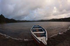Boot auf Chiapas See Stockfotografie