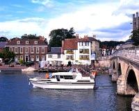 Boot auf dem Fluss, Henley-auf-Themse stockbilder