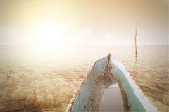 Boot auf dem Meer mit instagram Filter lizenzfreie stockbilder