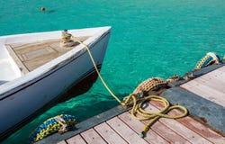 Boot auf dem Pier Lizenzfreie Stockbilder