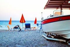 Boot auf dem Strand, Ialyssos Stockfotografie