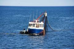 Boot auf dem Wasser lizenzfreie stockfotografie