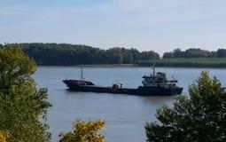 Boot auf der Donau rumänien lizenzfreie stockfotografie