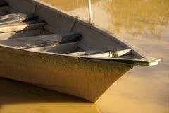 Boot auf einem Fluss Lizenzfreie Stockbilder