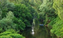 Boot auf einem Fluss Stockfotografie