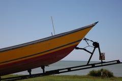 Boot auf einem Schlussteil Stockfotos