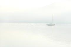 Boot auf einem See Lizenzfreies Stockbild