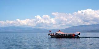 Boot auf einem See Stockfotografie