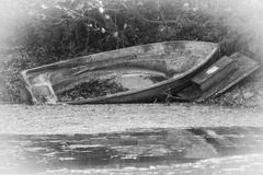 Boot auf einem See lizenzfreie stockfotografie