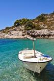 Boot auf einem Strand Stockfotos