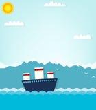 Boot auf Hintergrund von Bergen Stockfoto
