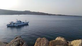 Boot auf Ozean stockfotos