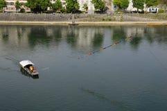 Boot auf Rhein-Fluss Stockfotos