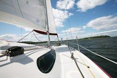 Boot auf See lizenzfreie stockbilder