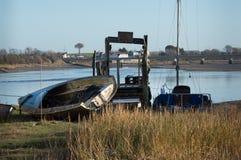 Boot auf Seite durch den Fluss Wyre Lizenzfreie Stockfotografie