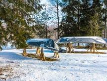 Boot auf Winterparken Lizenzfreie Stockfotos