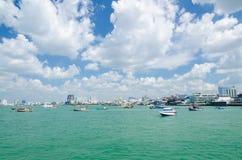 Boot an Balihai-Pier von Pattaya-Strand Lizenzfreies Stockbild