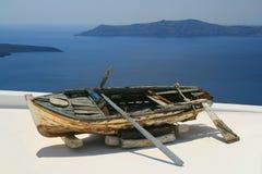 Boot bei Santorini Stockfoto