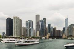 Boot bereist in Chicago Stockfotos