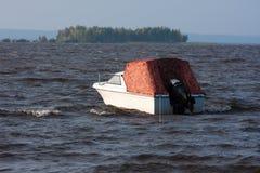 Boot bij anker Stock Foto