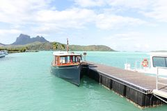 Boot in Bora Bora stockbild