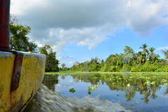 Boot, das auf Maracaibo See, Venezuela schwimmt Lizenzfreie Stockfotografie